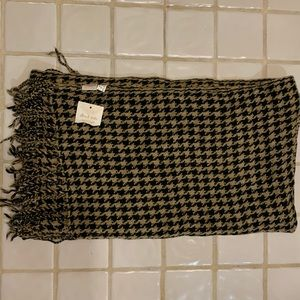 Altar'd State houndstooth winter scarf NWT